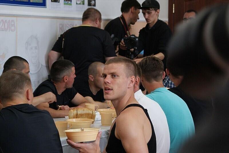 Футболист Александр Кокорин обвинил россиян в зависти к богатым людям