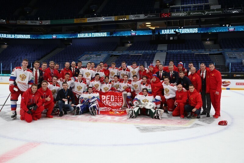 Сборная России по хоккею молодежным составом выиграла кубок Карьяла
