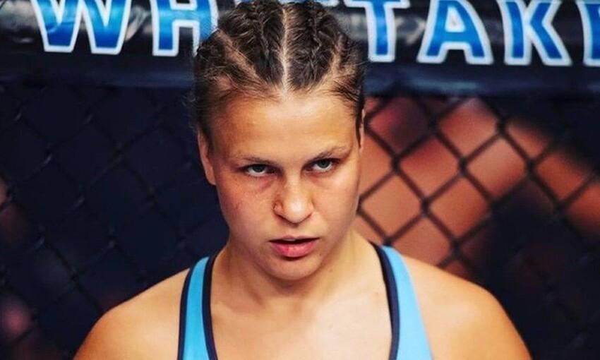 Боец UFC Юлия Столяренко упала в обморок во время взвешивания