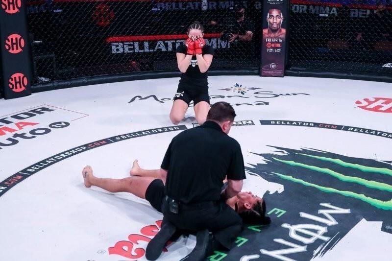Россиянка нокаутировала соперницу на 29 секунде дебютного боя в Bellator