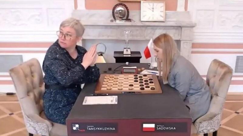 Российская шашистка рассказала, как скандал с флагом сыграл ей на руку