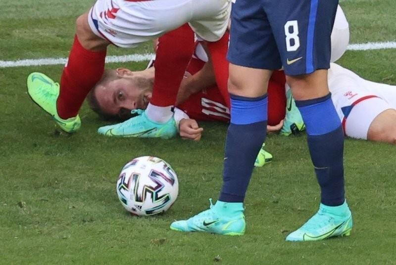 Потерявший сознание во время матча Кристиан Эриксен выписан из больницы