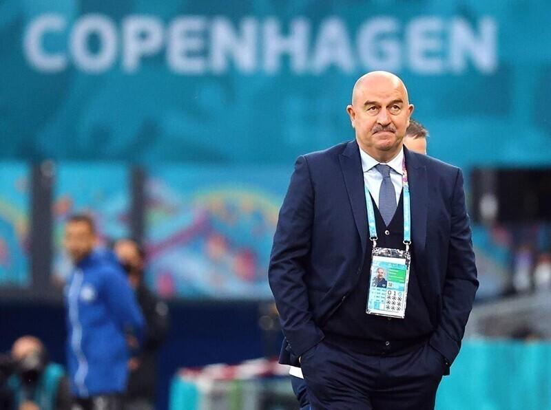 Черчесов передал привет болельщикам после вылета сборной России с Евро