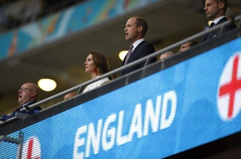 Принц Уильям высказался о расистских оскорблениях в адрес игроков сборной Англии