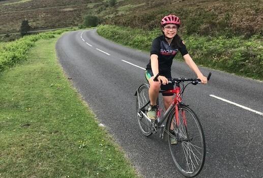 Девочка проедет на велосипеде сотни км ради спасения планеты
